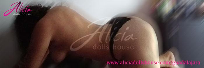 Malú Escort en Guadalajara desnuda mostrando sus atributos.