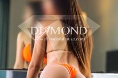 Betty-Diamond-petite-amateur-modelo-1