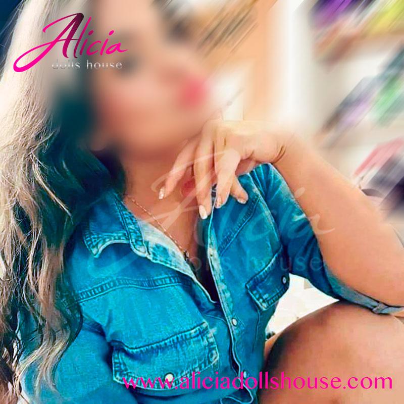 aliciadollshouse-joven-escort-petite-christine-8