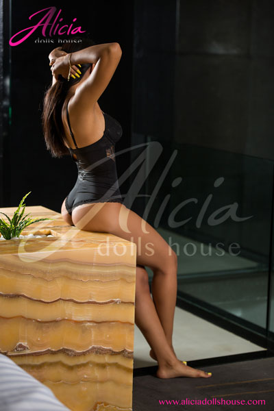 nadia-escort-en-monterrey-20